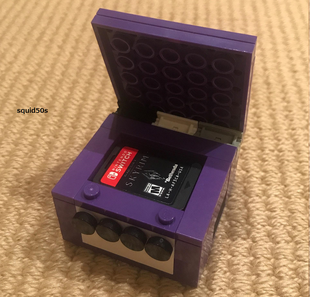 Fan makes a tiny LEGO GameCube to store Switch game cards
