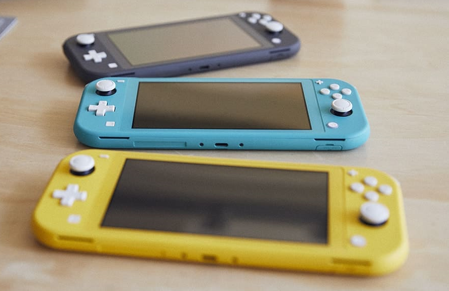 Nintendo Switch Lite revealed, launching September 20