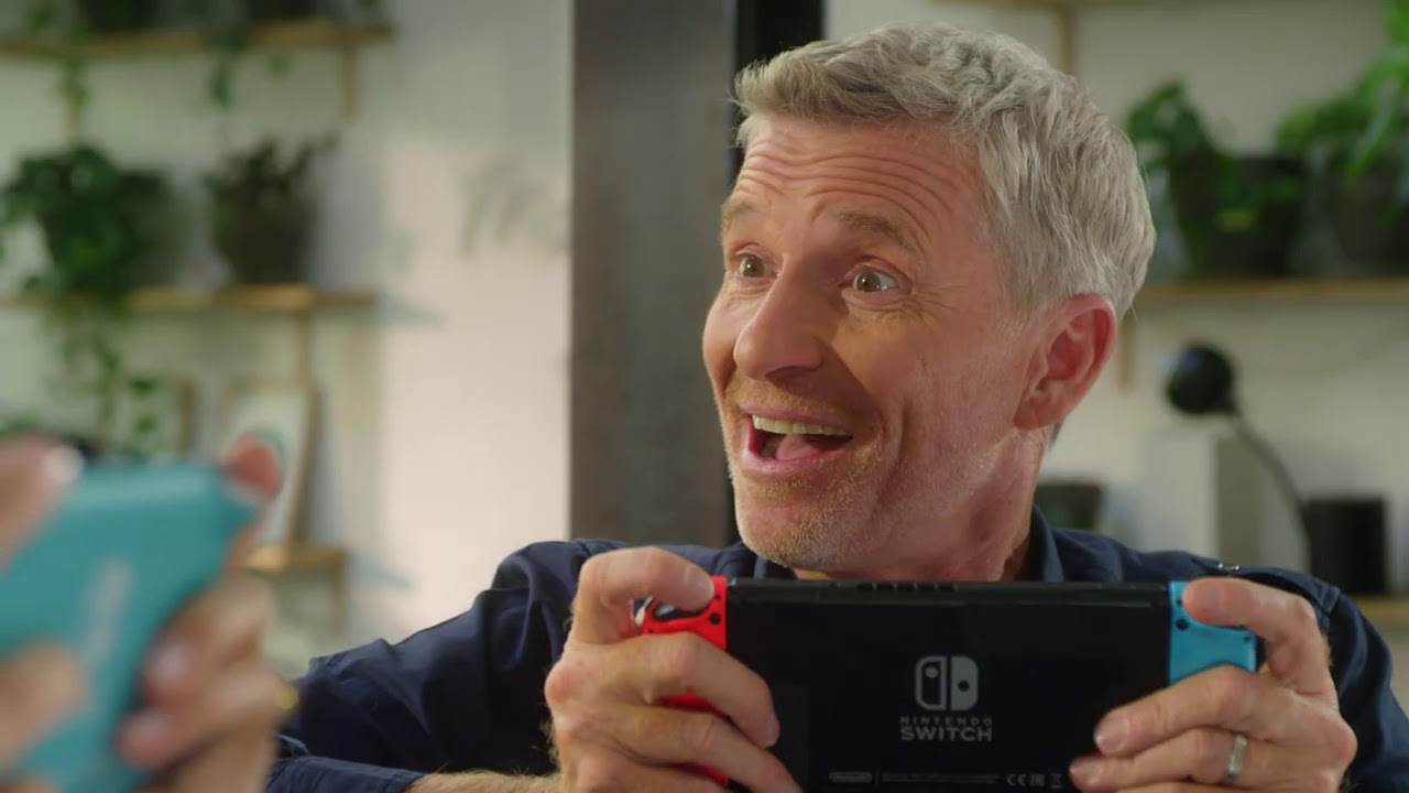 French commercial for Animal Crossing: New Horizons features TV host Denis Brogniart